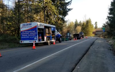 2018-04-05: Concrete Impacted Refer Fuel Tank on Northbound I-5 in Kent, WA
